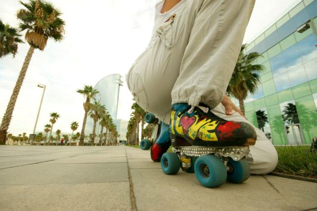 Roller dancer, Skate Lisa, at Barcelona's Hotel W Spot. Photo by photographYeah.